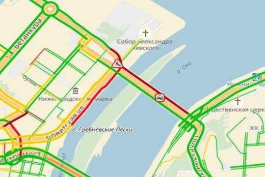 НаКанавинском мосту создалась огромная пробка